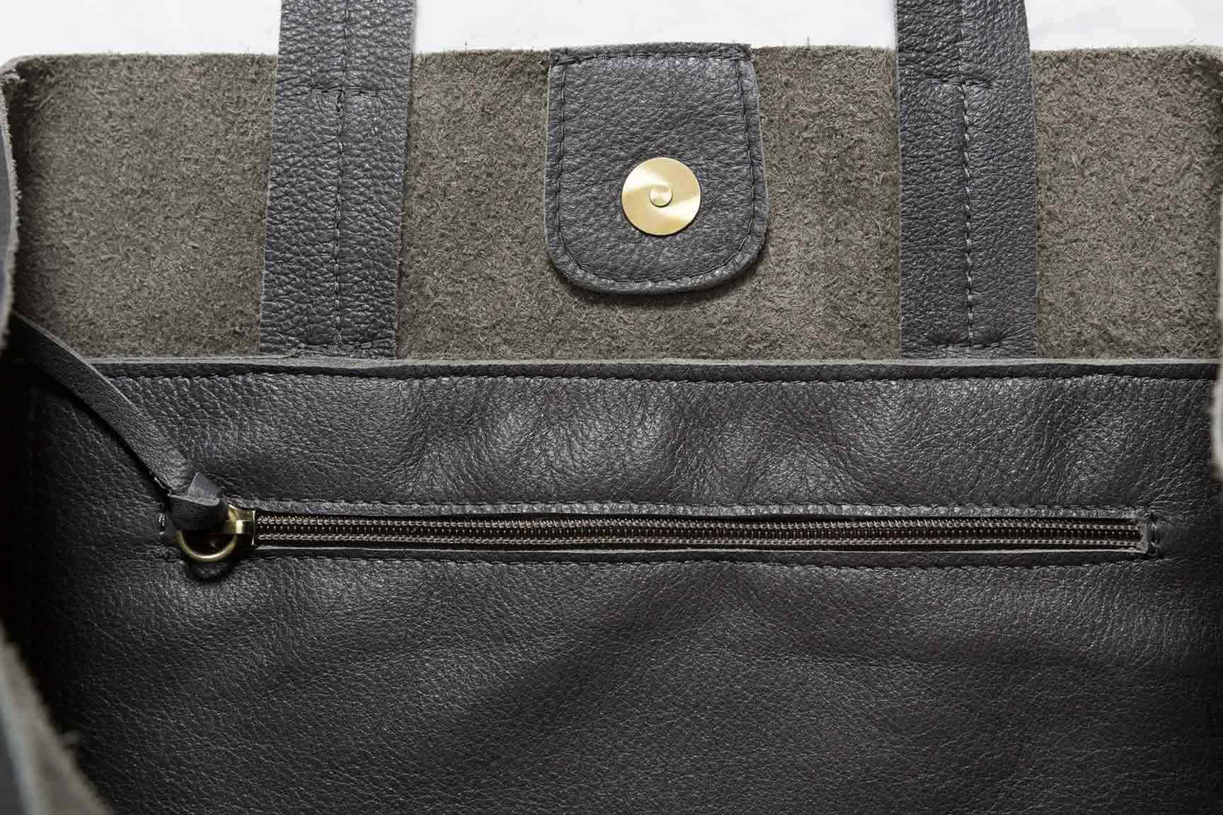 Visuel - Détails - Grand Sac Shopper en Cuir Gris Anthracite - à plat - ordinari.shop