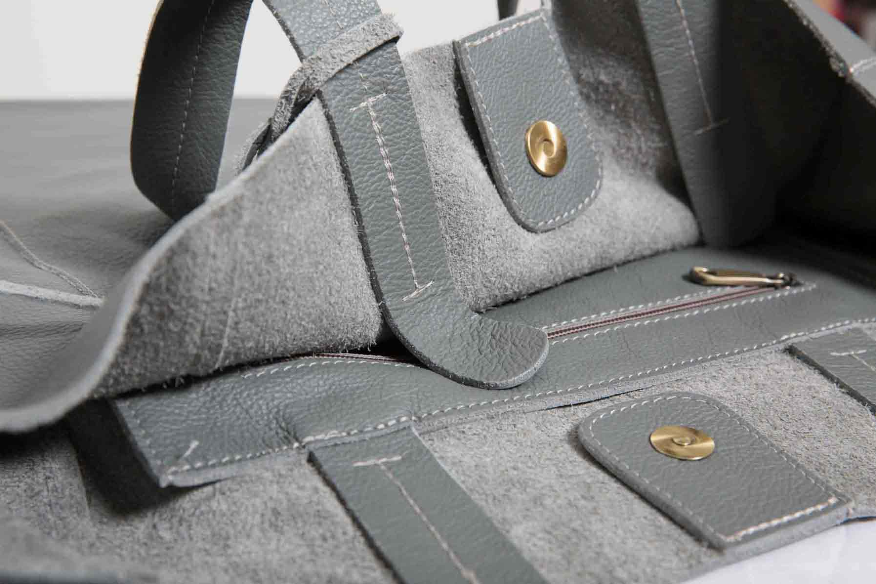 Visuel Sac - Détails Grand Shopper Cuir Gris Ciment - ordinari.shop
