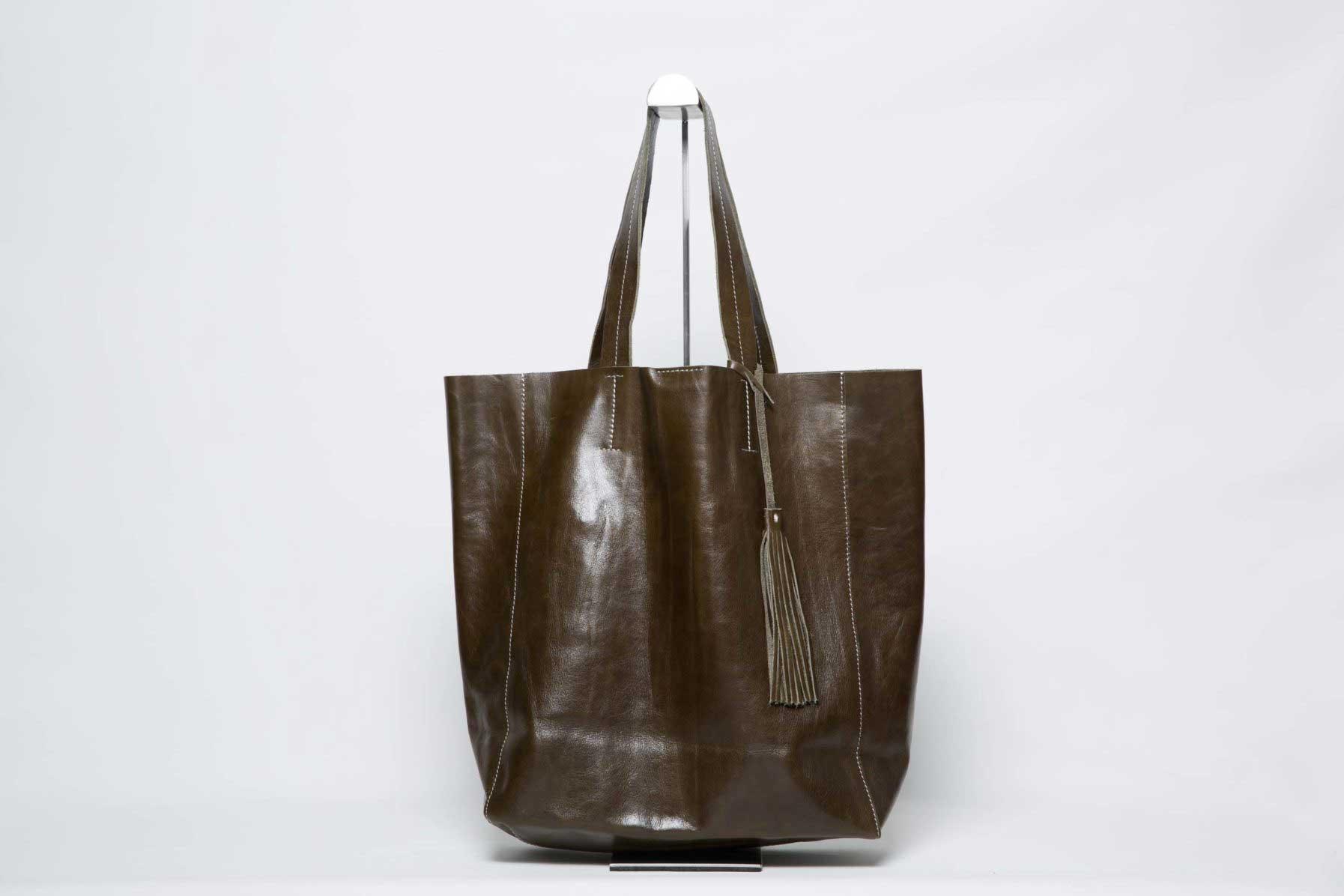 Sac Grand Shopper En Cuir Bronze - avec pompon - ordinari.shop