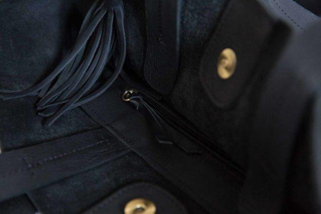 Visuel - Détails - Grand Shopper Bag en Cuir Bleu Noir - ordinari.shop