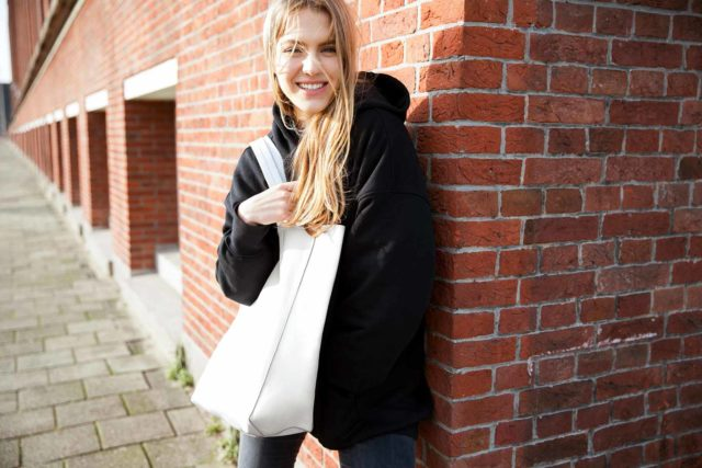ordinari-Grand-Shopper-Blanc-outside-3