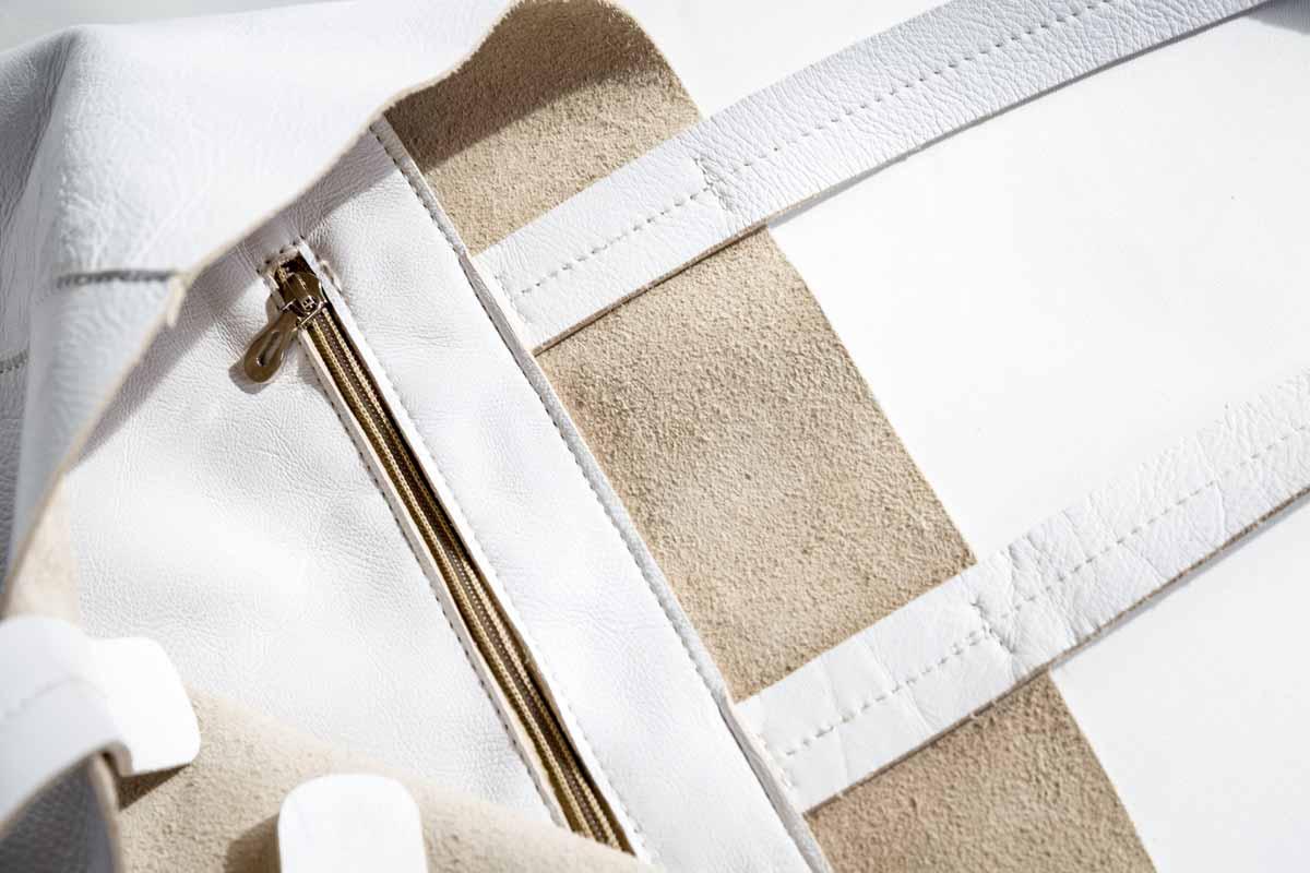 Détails Sac modèle Grand Shopper en Cuir Blanc - ordinari.shop